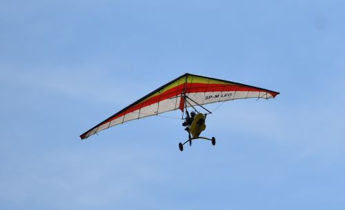 hang glider the plane air show