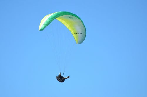 hang glider paragliding adventure bums