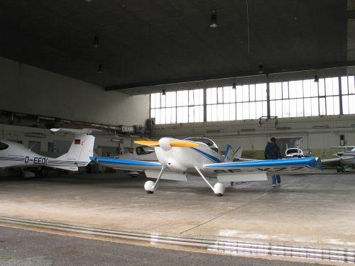 hangar aircraft m17