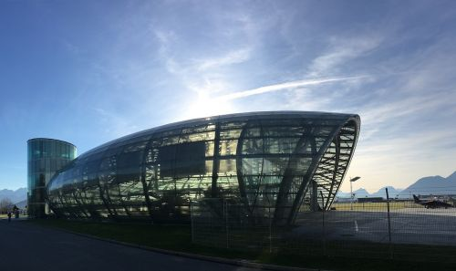 hangar salzburg airport