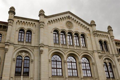 hanover  facade  window