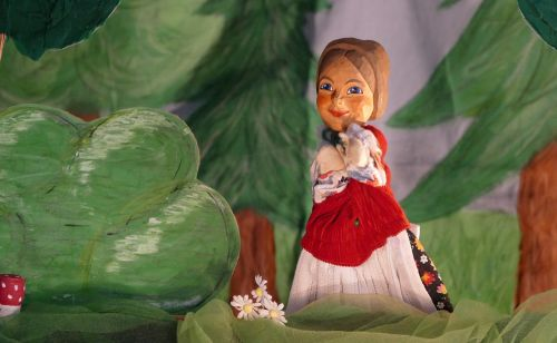 hansel and gretel doll puppet theatre
