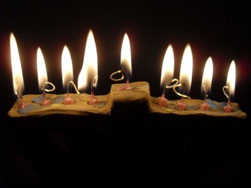 hanukkah spend lights