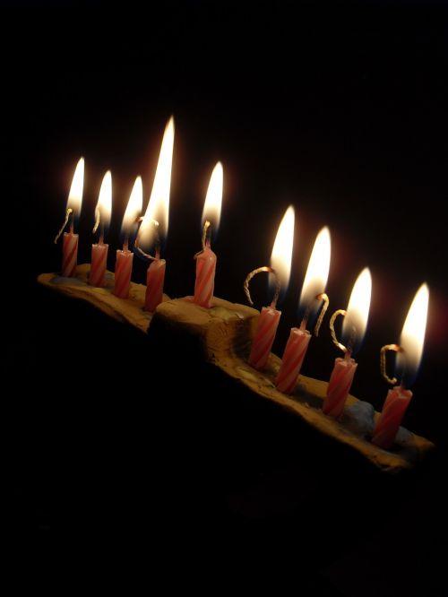hanukkah spend light