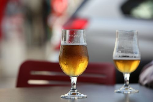 happy hour beer drinks