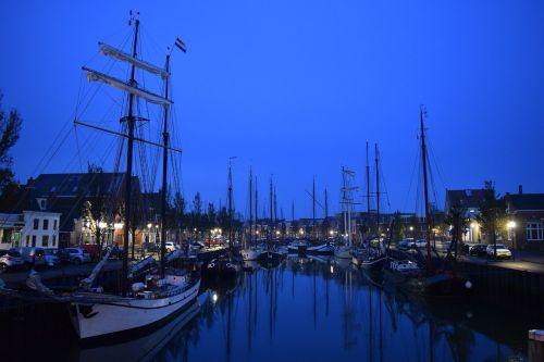 port shipyard night