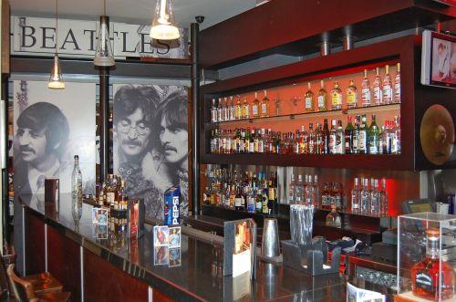 hard rock cafe counter bar