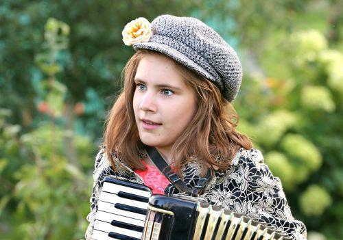 harmonikų,muzikantas,folkloras,talentas,dainininkė,koncertas,kostiumas,liaudies,tradicija