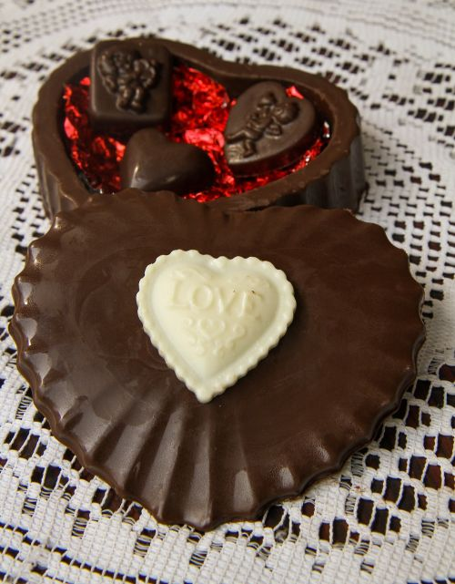 hart chocolate love