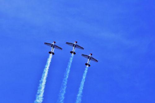 Harvard Aerobatic Display
