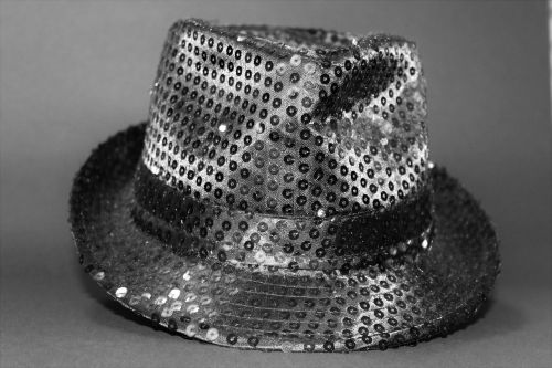 hat sequins black and white