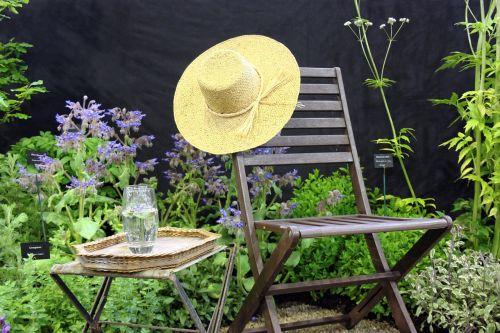 hat garden beautiful