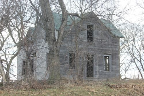 haunted farmhouse abandoned