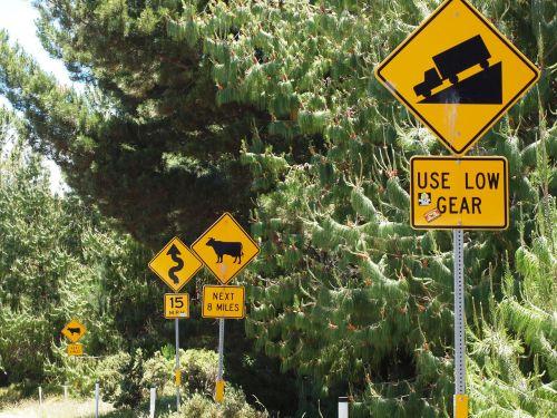 hawaii maui signs