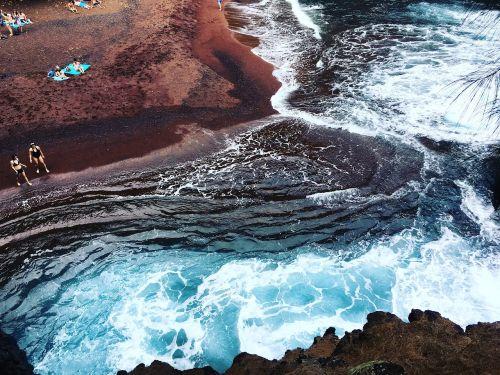 hawaii maui red sand