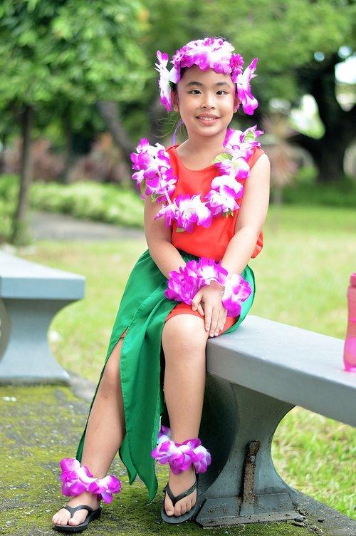 hawaiian  girl  costume