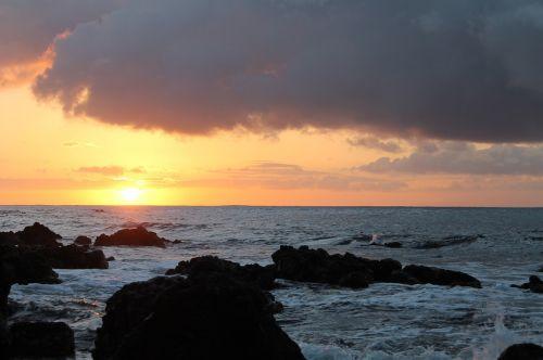 hawaii sunrise sea