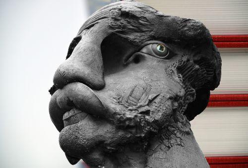 head statue figure