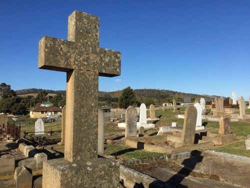 head stone grave death