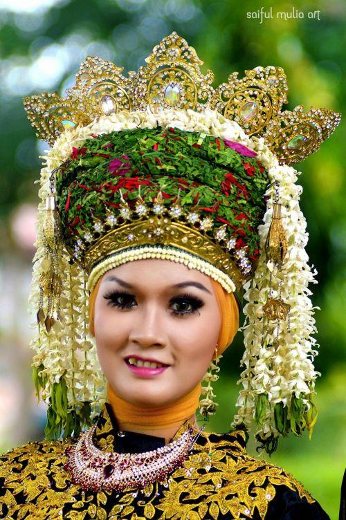 headdress culture face