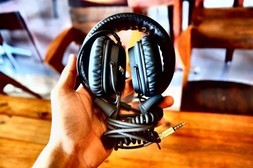 headphone marshall music