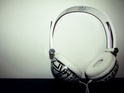headphones white music