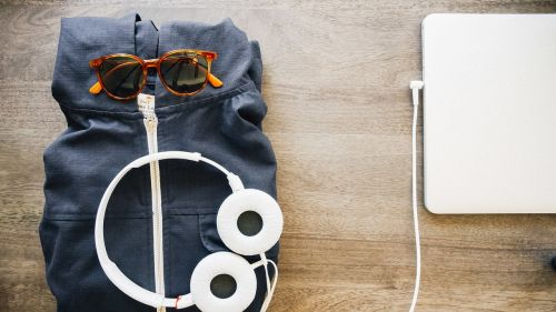 headphones earphones laptop