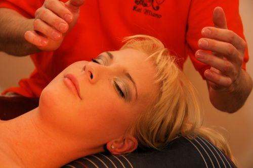 healing shiatsu blond