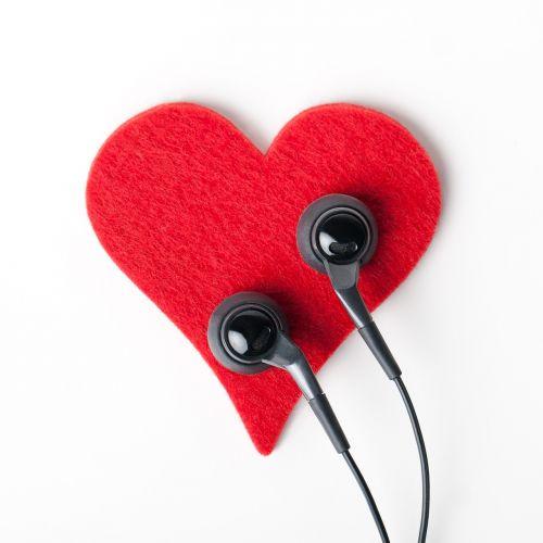 heart earphones object