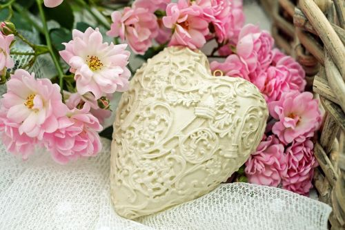 heart roses pink