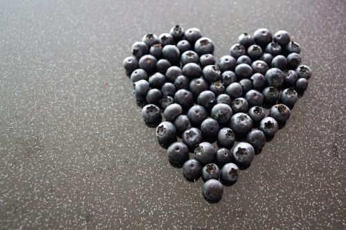 heart love blueberries