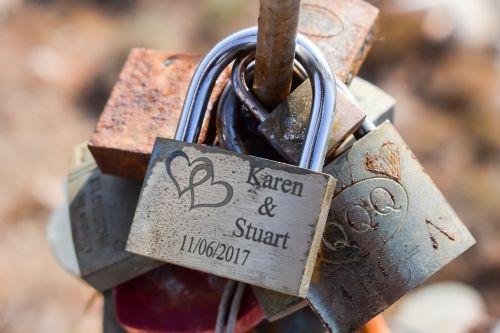 heart love padlock