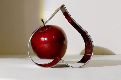 heart baking dish apple