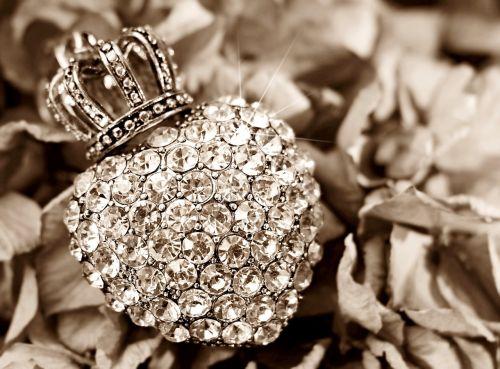 heart crown hydrangea