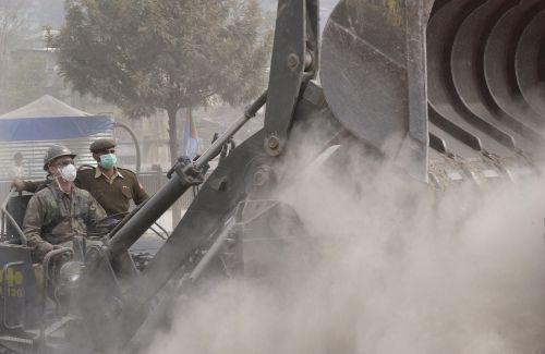 heavy equipment earth movers bulldozer