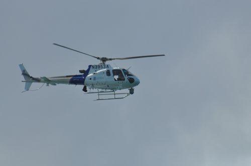 helicopter grey himmel
