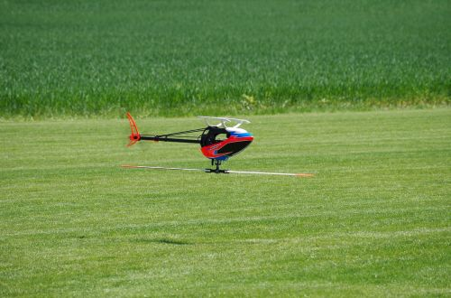helicopter model flying