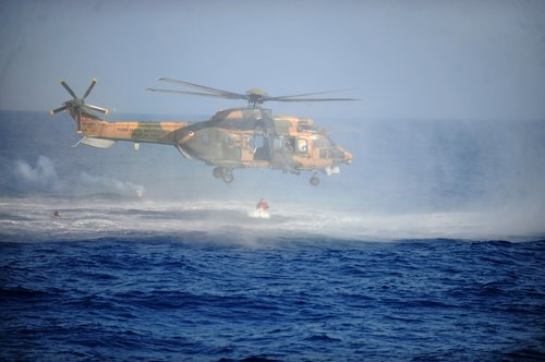 helicopter  marine  search