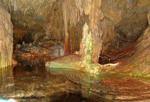 hellas dirou grotto