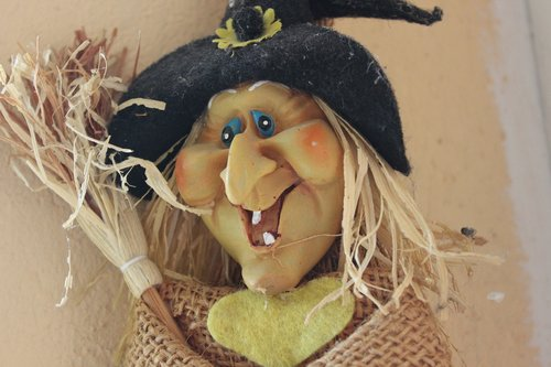 helloween  the witch  figure