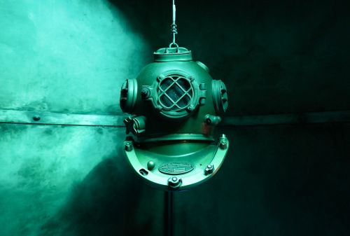 helm diving old