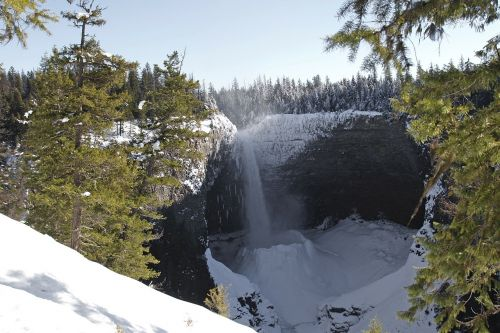 helmcken falls wells gray provincial park