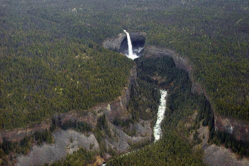 helmcken falls bird perspective waterfall
