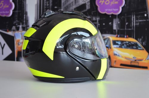 helmet wrapping style