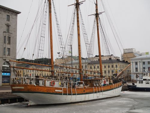 helsinki sailboat ice