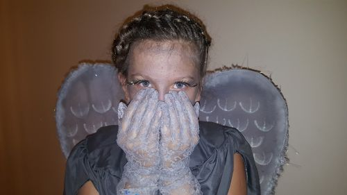 heluvin costume crying angel