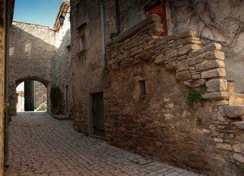 herald medieval village lane