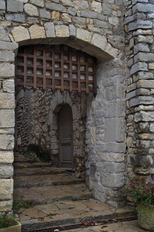 herald  village  medieval