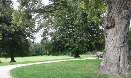 herrnsheim castle park germany