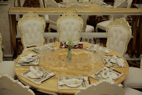 high-grade tableware roundtable